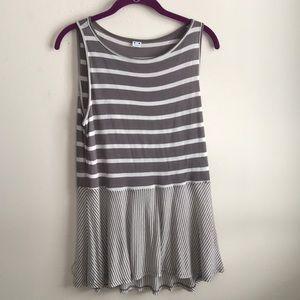 Three Dots striped sleeveless gray tunic size M